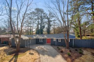 3195 Betty Circle, Decatur 30032