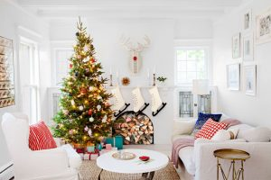How To Sell Your House in During the Holidays - A Guide for Sellers